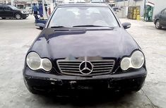 Neat Nigerian used Mercedes-Benz C240 2001