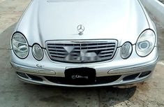 Neat Nigerian used 2003 Mercedes-Benz E320