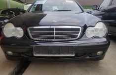 Neat Foreign Used Mercedes-Benz C180 2002 Black
