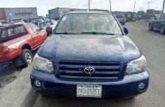 Neat Nigerian Used Toyota Highlander 2005 Blue