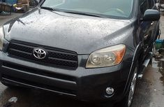 Nigeria Fairly Used Toyota RAV4 2005 Model Green