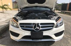 Clean Tokunbo Mercedes-Benz C400 2015 Model White