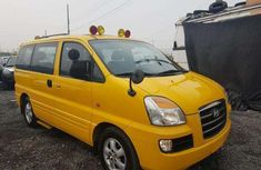 2002 Foreign used Hyundai Starex Yellow Minibus for Sale