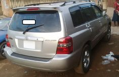 Clean Silver Foreign used Toyota Highlander 2004 Model for Sale