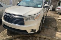 Super Clean Foreign used Toyota Highlander 2014