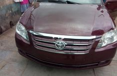 Super Clean Foreign used Toyota Avalon 2005