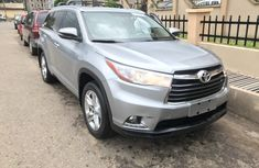 Super Clean Foreign used 2016 Toyota Highlander