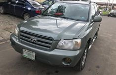 Neat Nigerian used 2005 Toyota Highlander