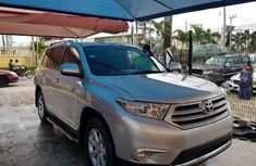 Super Clean Foreign used 2013 Toyota Highlander