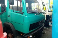 Foreign Used 1996 Green Mercedes Benz 814 Truck