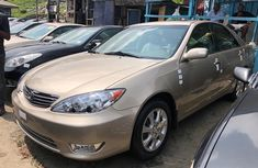 Foreign Used Toyota Camry Big Daddy 2005 Model Gold
