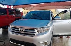 Very Clean Foreign used Toyota Highlander 2013