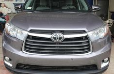 Very Clean Foreign used Toyota Highlander 2015