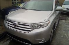 Very clean Toyota Highlander 2003 model for sale