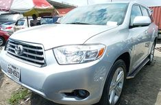 Tokunbo 2010 Toyota Highlander SUV for Sale in Lagos Silver