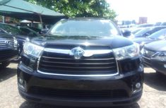 Super Clean Foreign used Toyota Highlander 2019
