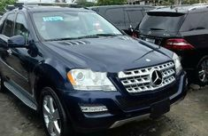 Blue Tokunbo Mercedes-Benz ML350 2010 Model