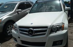 Sharp Tokunbo 2011 Mercedes Benz GLK350 4MATIC White for Sale