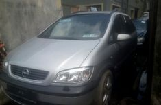 Foreign Used Opel Zafira 2003 Model 7 Seater in Lagos