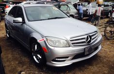 Clean Foreign Used 2009 Model Mercedes-Benz C300 for Sale