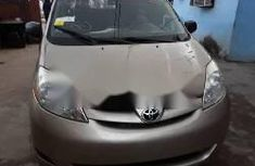 Very Clean Foreign used Toyota Sienna 2006