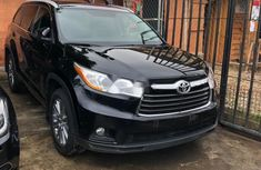 Very Clean Foreign used Toyota Highlander 2016