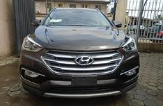 Clean Tokunbo Hyundai Santa Fe 2017 Model Grey