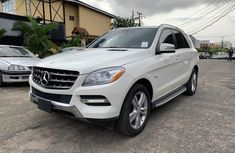 Foreign Used 2012 Mercedes Benz ML350 White in Lagos