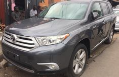 2013 Gray Tokunbo Toyota Highlander SUV for Sale in Lagos