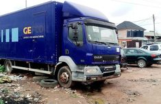Neat Foreign used DAF LF 2001