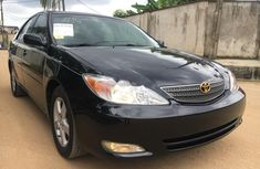 Neat Foreign used Toyota Camry 2004