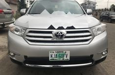 Neat Foreign used Toyota Highlander 2011