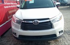 Foreign Used White Toyota Highlander SUV 2017 Model for Sale