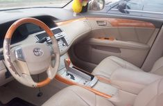 Foreign Used 2006 Model Toyota Avalon Beige for Sale