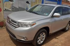 Foreign Used Silver Toyota Highlander SUV 2011 Model for Sale