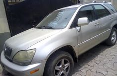 Neat Nigerian used Lexus RX 2002