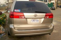 2005 Toyota Sienna Foreign Used Gold Minibus for Sale