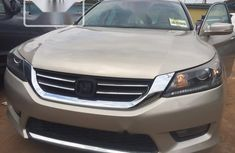 Neat Foreign used Honda Accord 2013 Gold