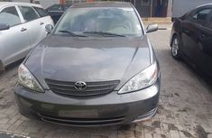 Foreign Used Toyota Camry Gray 2003 Model in ikeja