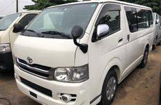 Toyota Hiace 2009 Model Tokunbo Silver Bus