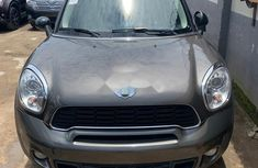 Neat Foreign used Mini Mini 2012