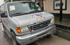 Foreign Used 2004 Ford E-350 Petrol