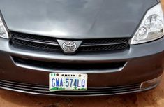 Clean Nigerian Used Toyota Sienna 2005 Gray