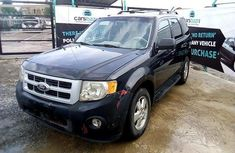 Neat Nigerian used Ford Escape 2011