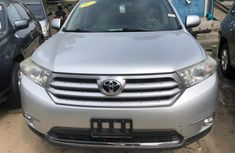Toyota Highlander SUV 2013 Tokunbo Gray Colour