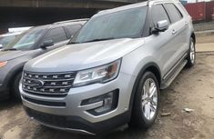 Foreign Used Ford Explorer 2016 Model Silver for Sale