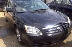 Toyota Avalon 2005 Model Black Sedan in Lekki