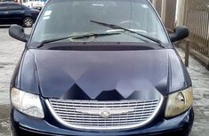 Nigeria Used Chrysler Town 2001 Model Blue