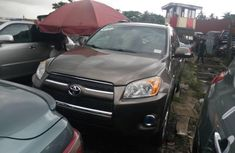 Tokunbo Toyota RAV4 2010 Model Gold