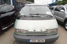 Foreign Used Toyota Previa 2000 Model Green